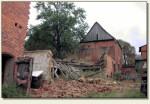 Chomętowo - ruina budynku w miejscu zamku