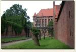 Malbork - przejście między murami