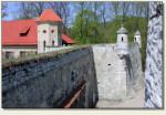 Pieskowa Skała - mur obronny