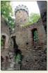 Sosnówka Dolna - wieża i mury