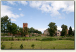 Stara Kiszewa - zamek z oddali