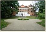 Uniejów - zamek od strony parku